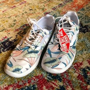 vans tropical 🌴 leaves sneakers size 9 NWT